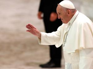 Pope Stresses COVID Precautions, Doesn't Wear Mask at General Audience