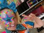 Watch: After Coming Out, YouTuber JoJo Siwa Opens Up in Moving Vid: 'I'm Really Happy'
